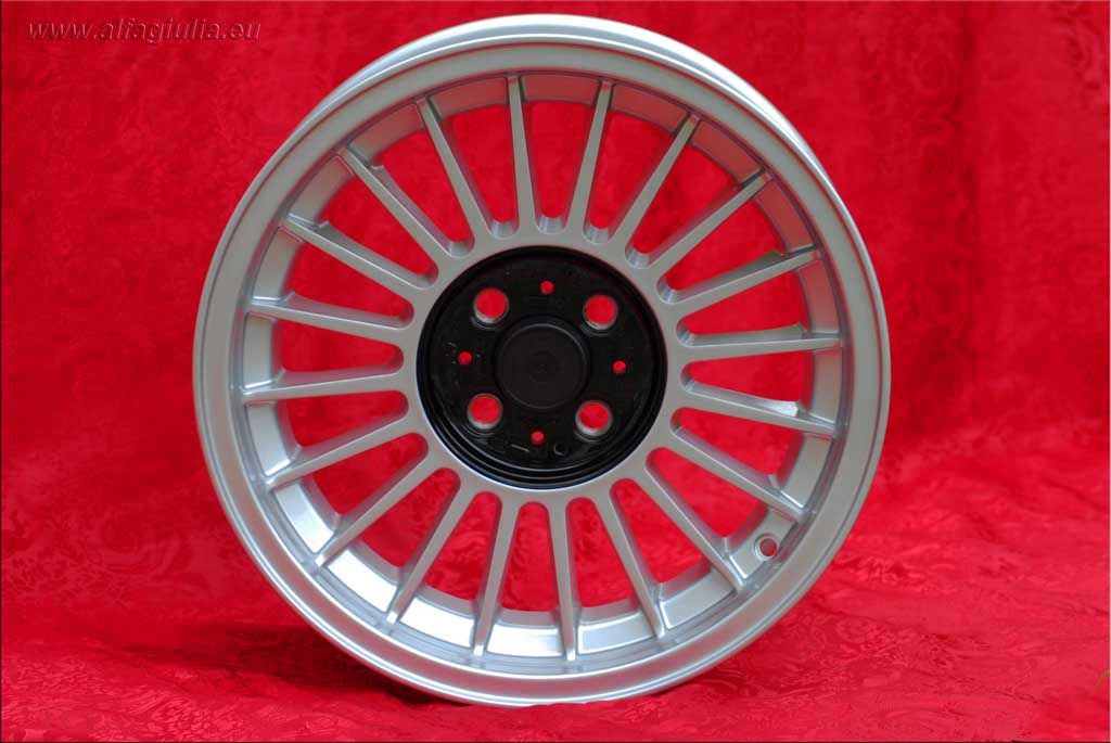 BMW Alpina  BMW 1600 2002 Serie 3 E21 E30  7x16 ET28 4x100 c/b 57.1 mm Wheel